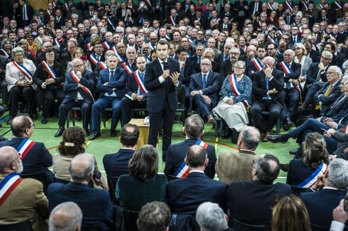 Macron-maires.jpg