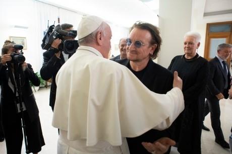 Le pape et Bono.jpg
