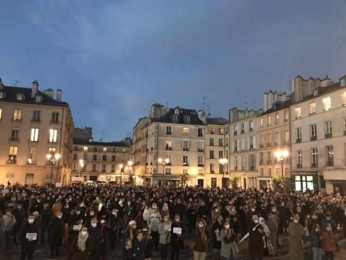 Pour la messe à Versailles.jpeg